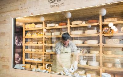 Un rincón para degustar quesos españoles